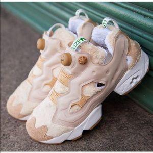 Reebok x Ted 2 Instapump Fuzzy Sneakers Size 7/8